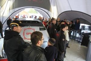 Zuschauerandrang im SAM-Zelt